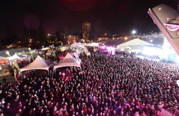 surrey 2010 crowd
